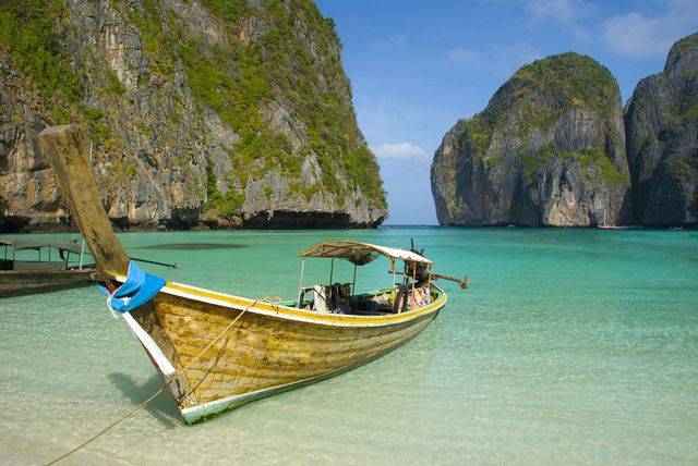 Long boat on Phi Phi lagoon