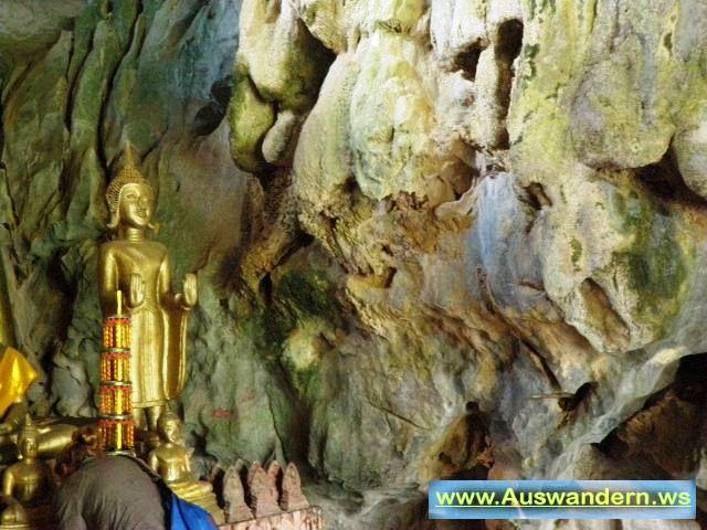 Vangvieng - Tempel Höhle in Laos