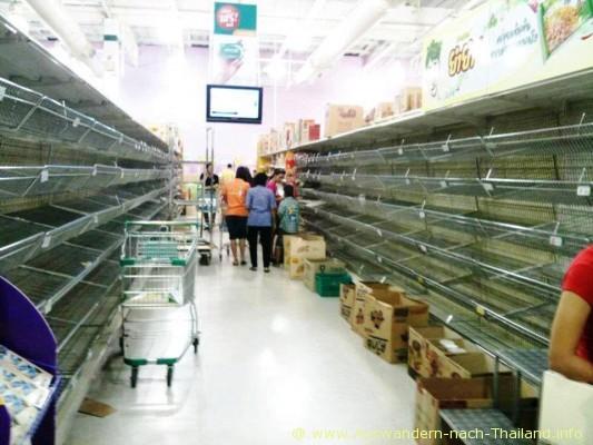 Hochwasser-Flut-Bangkok_2011-10_012